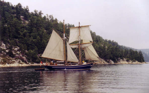 Playfair Sailing in Baie Finne, Noth Channel, Lake Huron